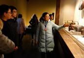 """湖北省博物馆有个""""网红""""讲解员,发烧友打""""飞的""""来听她讲解"""
