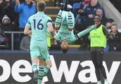 英超-博格巴传射曼联2-1 阿森纳2-2连胜终结 切尔西4-0保持不败