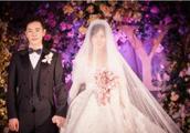 唐嫣罗晋婚礼现场高清照,胡歌献唱,新人拥吻那一刻甜哭了