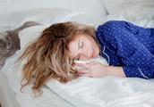 女人起床时间的早晚,预示了她目前的婚姻状况,你说准不准?