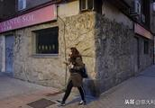 西班牙华人餐馆遭暴力抢劫,劫犯在逃