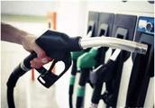 """南非油价又要跌?您的爱车可能不用再""""吃土""""了"""