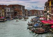 乘上千年古老游船贡多拉游威尼斯感受异国风情,旅游模式怎样借鉴