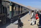 关键时刻!军列装满500枚导弹送往巴基斯坦,巴铁:感谢兄弟相助