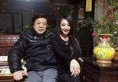 参观赵忠祥价值过亿的豪宅,老婆比18岁姑娘还好看,生活太好了