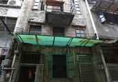 17米高百年老宅结构腐朽,业主没饭吃也坚决不卖,爆改后值千万!