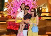 郭可盈去几天新加坡 就换了三个爱马仕包包 她的爱马仕多到数不清
