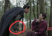 冯绍峰被问如何形容赵丽颖,盛爹爹表情成亮点,小夫妻腻歪好甜蜜
