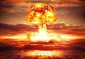 越南战争中,为何美国不使用核武器,导致自己失败伤亡30多万人?