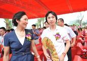 """嫁给王健林,生下王思聪,揭开""""国民婆婆""""神秘面纱,网友:牛"""