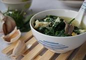 很多人嫌弃这个菜,3块钱一斤,治风湿疼痛还补钙,对脾胃特别好
