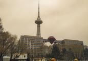 大风沙尘下的哈尔滨