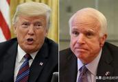 """特朗普和民主党为一个死人争论不休,双方又在打什么""""鬼"""
