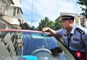 胆大!无证驾驶还挪用号牌 哈市一黑出租驾驶人被罚7000元拘10天