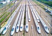 30辆中国高铁降临巴基斯坦!巴铁兄弟夹到欢迎,这才是真友谊!