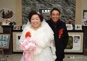 安徽65岁老汉娶50岁新娘,儿女帮忙办风光婚礼,乡亲们都羡慕