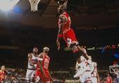 致敬篮球之神,乔丹生涯珍贵高清大图欣赏。