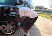 当NBA一帮巨人遇到豪车:76人众将个个能做车模,奥尼尔却尴尬了