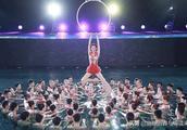 林志玲因央视春晚《绽放》替身惹争议,这到底是谁的错?