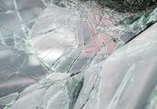 嘉定沪宜公路一面包车与电瓶车相撞 骑车人当场死亡