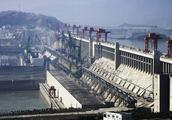 作为战略要地,三峡大坝防护性有多强?普通导弹不能构成威胁