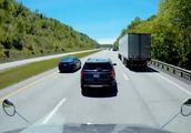 高速上突遇前车急刹怎么办?听听交警怎么说,这样做也许能保命