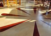餐厅花瓣图案着色混凝土地坪的制作
