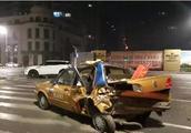 哈尔滨路虎司机疑似酒驾深夜疯狂闯卡,执勤交警被撞飞不幸牺牲