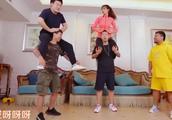 杜海涛和沈梦辰做情侣运动,被因手的位置被调侃,网友:很有经验
