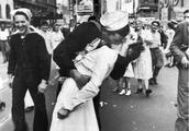 二战胜利之吻男主角逝世,胜利之吻时女友在后面跟着