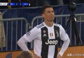 C罗老了?前年欧冠小组赛C罗2球,梅西10球!最后还不是狠狠打脸