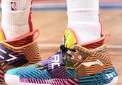 闪电侠再秀风骚配色!1月19日NBA赛场球鞋赏析