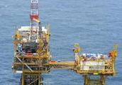 日本抗议中国在东海争议海域开采气田