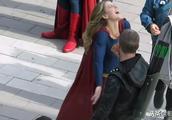 绿箭侠讲了什么笑话,让超女笑得花枝乱颤,联动集片场照曝光