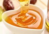 哺乳期间,产妇喝蜂蜜水,对身体有哪些影响?
