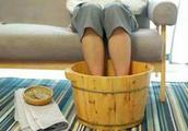 经常泡脚对身体好?是真的养生还是骗局?聪明的人都会这样做