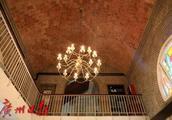 探秘中山大学老建筑中的精妙细节:窗花如蝶翼,地砖会透光