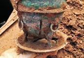 罕见!洛阳发现保存完好的西汉贵族墓葬 疑似两千年前的美酒现身