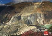 金沙江堰塞湖水位总涨幅28.55米!蓄水量约1.74亿立方米