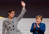 离任演讲结束全场掌声长达10分钟,默克尔卸任德国基民盟主席 她的接班人卡伦鲍尔是何许人?
