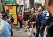 网曝谢霆锋潘玮柏厦门逛市场 疑拍摄《锋味》