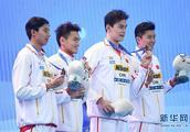 孙杨迎来短池世锦赛首秀,中国队4×200米自接力超世界纪录摘铜