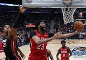 NBA常规赛:热火胜鹈鹕