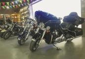 摩托车只买裸车,不在摩托店上牌买保险,摩托店不同意该怎么办?