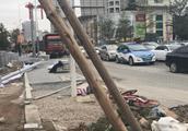 深圳市人大代表走访开挖路段:过了早高峰还堵车,垃圾堆积