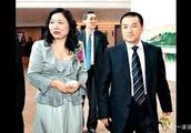 k线丨吴亚军增持龙湖880万股至44.05% 前夫蔡奎减持