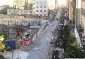 昆明工地围墙倒塌现场高清大图 工地围墙为何倒塌死伤几人