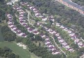 深圳中心区70栋配套别墅均无证,高球场唯一房地产证已被注销
