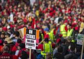 美国洛杉矶教师大罢工进入第五天 数千人涌向市政厅