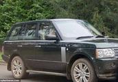 97岁菲利普亲王车祸后 92岁英女王未系安全带驾车